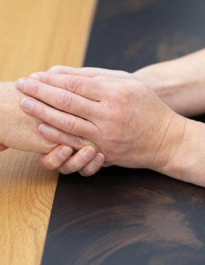 Onkologie Voskova Wahlarzt Hände